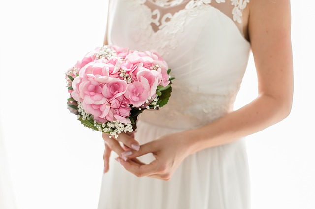 Der Brautstrauss Naturlich Als Eyecatcher Fur Den Rustikalen Look
